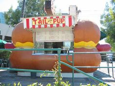 Tail-o-the-Pup, LA (Why oh Why is this iconic L.A. stand being re-located to LAS VEGAS???)