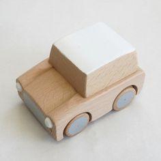 Motor wooden car - Kuruma by Kiko+ www.lepingouindelespace.com