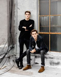 Jack and Finn Harries Lorcan and Lysander Family Posing, Family Portraits, Family Photos, Finn Harries, Photography Poses For Men, Family Photography, Older Sibling Photography, Father Son Photography, Picture Poses