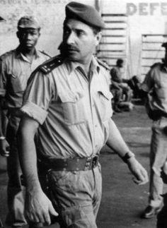 """Robert """"Bob"""" Denard Un mercenaire français  TRES ,TRES CONTESTE. ( M.D )."""