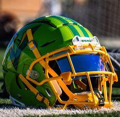 The XXL Vipers with a SHOC clear rainbow football visor in a Schutt helmet. Football Uniforms, Football Jerseys, Football Season, Cool Football Helmets, Sports Helmet, Helmet Logo, Helmet Visor, High School Football, College Football