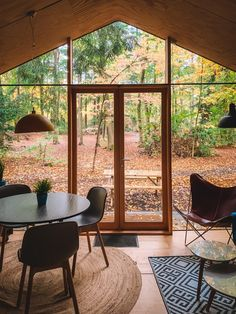 Places To Go, Great Places, Vintage Stil, Garden Office, Cabins In The Woods, Vacation Places, Outdoor Life, Staycation, Bed And Breakfast