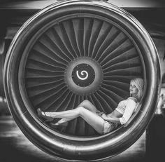 Girls & Aeroplanes : Photo