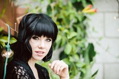 Carly Rae Jepsen, With a New Album, Is Definitely Changing Her Number - The New York Times