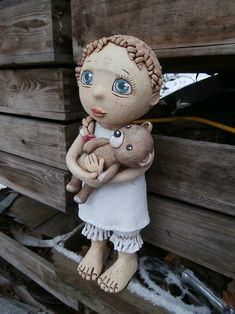Laura s medvídkem (na objednávku) / Zboží prodejce Kočida   Fler.cz Pottery Sculpture, Polymer Clay, Spiritual, Angels, Teddy Bear, Ceramics, Toys, Christmas, Navidad