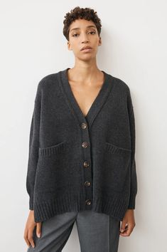 Tara Slouch Cardigan in Charcoal – Daughter Knit Fashion, Fashion Outfits, Easy Sweater Knitting Patterns, Casual Wear Women, Cashmere Yarn, How To Purl Knit, Fall Sweaters, Fashion Pictures, Knit Cardigan
