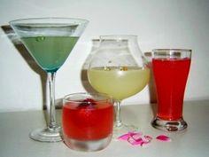 Šumivé limonády z bylinkové zahrádky: domácí bezinková, z tužebníku nebo mátová     MAKOVÁ PANENKA Martini, Med, Tableware, Glass, Dinnerware, Drinkware, Tablewares, Corning Glass, Dishes