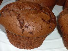 Briose cu ciocolata Food Cakes, Cake Recipes, Muffins, Sweets, Breakfast, Banana, Cakes, Morning Coffee, Muffin