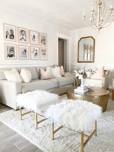 Glam Living Room, Living Room Decor Cozy, Rugs In Living Room, Home And Living, Living Room Designs, Living Room Decorating Ideas, Living Room Neutral, Cream And White Living Room, White Couch Living Room