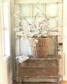 Awesome modern french country decor are offered on our website. Read more and yo… – farmhouse decor flowers French Decor, French Country Decorating, Farmhouse Style, Farmhouse Decor, Rustic Decor, Modern French Country, French Style, Country Style, Cool Ideas