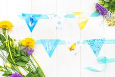 Girlanda na lato, składająca się z 6 elementów ozdoba, idealnie sprawdzi się jako dekoracja ścian lub stołów na wakacyjnych imprezach.