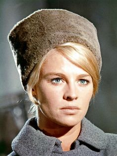 Julie Christie in Doctor Zhivago OMG did I froth for her
