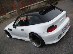 BMW Z3 with many body mods
