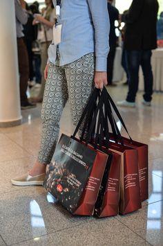 Louis Vuitton Monogram, Pattern, Bags, Fashion, Handbags, Moda, Fashion Styles, Patterns, Model