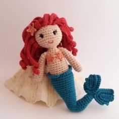 2000 Free Amigurumi Patterns: Lovely mermaid pattern in Spanish and Catalan Crochet Mermaid, Mermaid Diy, Mermaid Dolls, Crochet Baby, Crochet Gratis, Crochet Amigurumi Free Patterns, Free Crochet, Crochet Doll Clothes, Crochet Dolls