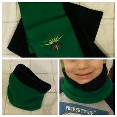 Lo scaldacollo: mio figlio con le sciarpe non va d'accordo e mi ha chiesto lo scaldacollo di Hulk..... come dev'essere? ... bhe, tutto verde e anche un pò blu. Ho preso 2 sciarpe una in lana baby verde e una in pile blu scuro, le ho tagliate circa a metà, ho cucito dritto contro dritto prima entrambi i lati lunghi, poi le ho rivoltate e unito i lati corti cercando di far combaciare i colori, verde con verde e blu con blu. Ho lasciato circa 5/6 cm che ho cucito a mano con punto nascosto.
