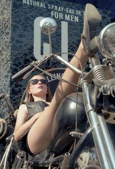 Biker for life: Photo Cowboys From Hell, Stunt Bike, N Girls, Biker Girl, Harley Davidson, Sexy, Vintage, Motorcycle Girls, Motorcycle Art