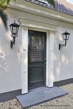 Exterior Design, Interior And Exterior, Modern Entrance, Door Detail, Cottage Exterior, Exterior Remodel, Beautiful Homes, House Design, House Styles
