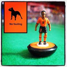 Edgar Davids. Pitbul! Charismatic.  More to see here : www.facebook.com/superfootytablefootball Table Football, Football Art, Edgar Davids, Sports Games, The Man, Minis, Pitbulls, Community, Facebook