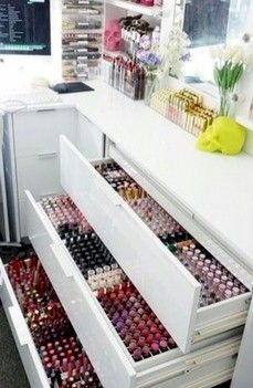 Shaanxo's makeup collection and storage (lippies)