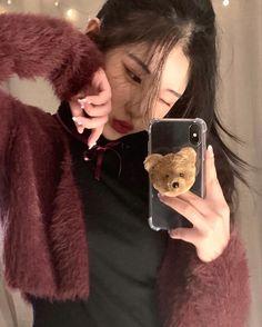 Ulzzang Korean Girl, Cute Korean Girl, Asian Girl, Ulzzang Fashion, Korean Fashion, Aesthetic People, Insta Photo Ideas, Korean Outfits, Girl Photos