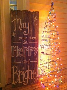 A Whole Bunch Of Beautiful ChristmasSigns - Christmas Decorating -