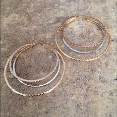 Eye-catching Multi Hoops Earrings / Big Size Gorgeous! For any outfit from the very casual to the very formal. Reward your jewelry collection! 14K Gold Silver & Bronze Plated / Gift Packaging Victoria Perez Collection Jewelry Earrings
