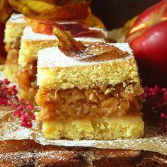Placinta frageda cu mere - Agendautila Romanian Desserts, Romanian Food, Fruit Pie, Tasty, Yummy Food, Cheesecake, Deserts, Easy Meals, Food And Drink