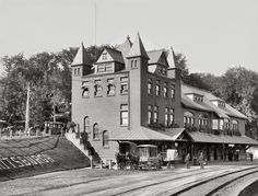 Fouquet House (Hotel) and Delaware Hudson Railroad station. Plattsburgh, New York State. Locomotive, Plattsburgh New York, Places In New York, North Country, Train Stations, Old Trains, Touring, Picts, Adventure