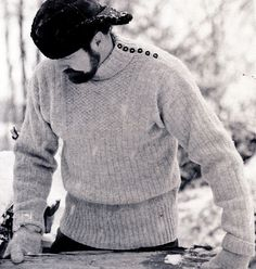 Finnish traditional fisherman's, The Tikkuri Sweater (or Luotolainen) from the Hailuoto Island, North Ostrobothnia region, Finland. Its A Mans World, Joko, Knitted Slippers, Knitting Projects, Learn How To Knit, Knitwear, Knit Crochet, Men Sweater, Mens Fashion