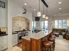 Bright, clean, and beautiful modern #kitchen http://www.homes.com/listing/photo/171769932/2001_Francis_Dr._AUSTIN_TX_78746