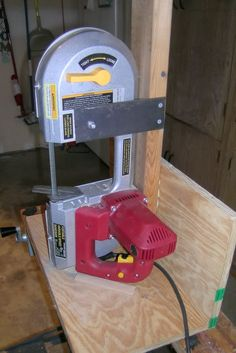 A simple stand for the Harbor Freight portable bandsaw. - The Knife Network Forums : Knife Making Discussions Cool Tools, Diy Tools, Welding Projects, Wood Projects, Portable Band Saw, Saw Stand, Welding Shop, Welding Cart, Knife Making Tools