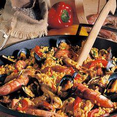 Lasciate riposare la paella 2-3 minuti fuori dal forno prima di servire.Leggi la ricetta dell