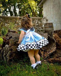 Alice in Wonderland Dress, Alice in Wonderland Costume, Alice in Wonderland Girls Dress, Alice in Wonderland Birthday Outfit, Alice Dress Alice In Wonderland Outfit, Alice In Wonderland Tea Party Birthday, Wonderland Costumes, Little Girl Dresses, Girls Dresses, Alice Costume, Costume Dress, Plus Size Costume, 1st Birthday Outfits