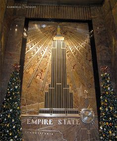 The Art Deco foyer of the Empire State Building, New York - US Empire State Of Mind, Empire State Building, I Love Nyc, Art Deco Design, Architecture Details, Cool Places To Visit, Wonders Of The World, New York City, Beautiful Places