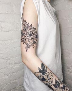 "1,237 Likes, 4 Comments - Roman ๛ Tattoo Artist (@itchev) on Instagram: ""Снизу зажившиеПитер,запись на Май •Direct •itchev@bk.ru •Vk.com/itchev #itchev #btattooing…"""
