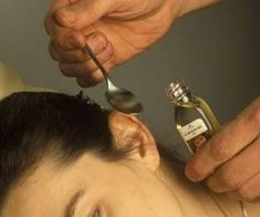 Natural Tinnitus Remedies To Stop The Ringing Very Short Bangs, Pixie Cut With Bangs, Home Remedies, Natural Remedies, Infection Fongique, Tinnitus Symptoms, Medical Conditions, Healthy Hair, Improve Yourself