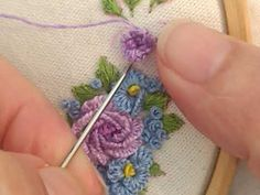 Rosa com ponto caseado na agulha. Curta e compartilhe, se inscreva. - YouTube Hand Embroidery Flowers, Embroidery Stitches, Brazilian Embroidery, Cross Stitching, Needlework, Crochet Necklace, Delicate, Make It Yourself, Quilts