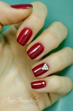 Red dress nails elegance