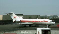 727-31 N97891 EWR 05-22-1975