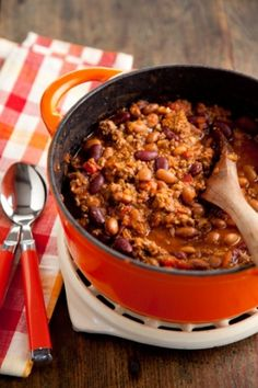 Paula Deen Taco Chili with Mix (This looks like a fun recipe to give as gifts, along with the written recipe) Chili Recipes, Mexican Food Recipes, Soup Recipes, Great Recipes, Dinner Recipes, Cooking Recipes, Favorite Recipes, Holiday Recipes, Cooking Tips