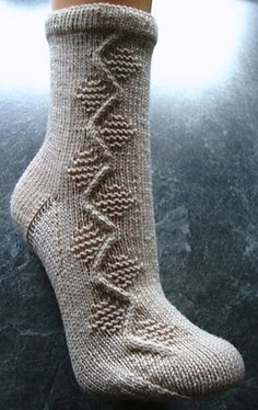 Ravelry: Pfaffenwinkel socks pattern by Sonja Köhler Knitting Socks, Hand Knitting, Knitting Patterns, Fashion Socks, Knit Fashion, Lots Of Socks, Little Cotton Rabbits, Slipper Socks, Slippers