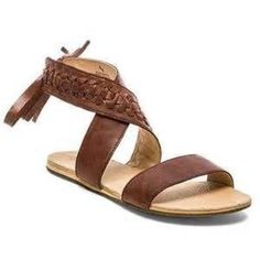 ✨Koolaburra sandals Koolaburra brown wrap around sandals. Perfect for summer. Only worn once. These are really good quality sandals! Koolaburra Shoes Sandals