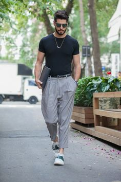 Men with causal outfit.