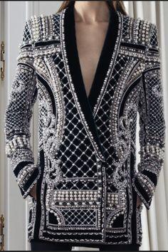 monsieur-j: Balmain Pre-Fall 2012 Details : modelmoiselle Couture Mode, Couture Fashion, Fashion Details, Fashion Design, Fashion Trends, Look Office, Moda Outfits, Lesage, High Fashion