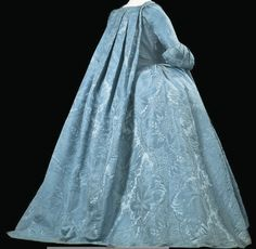 Robe volante, France, the Met Museum: These alternative shots are from its Christie's listing: 18th Century Dress, 18th Century Clothing, 18th Century Fashion, Vintage Gowns, Vintage Outfits, Vintage Fashion, Historical Costume, Historical Clothing, Marie Antoinette