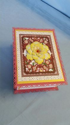 SARZCARDZ gift box made with SARZCARDZ large two piece box and Heartfelt Creations Ariana Blooms collection