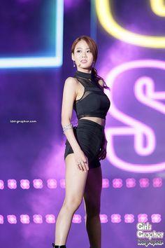 Seungyeon Kara, Han Seung Yeon, Kim Sang, Stage Outfits, Girl Day, Pop Fashion, Korean Girl Groups, Girl Crushes, Kpop Girls