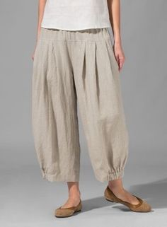 MISSY Clothing - Linen Harem Pants, scrunch hem those linen pants! Miss Me Outfits, Sewing Pants, Boho Fashion, Fashion Design, Mode Outfits, Linen Dresses, Harem Pants, Trousers, Pj Pants