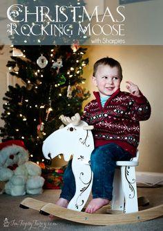 Im Topsy Turvy: Christmas Rocking Moose with Sharpie's #christmas #gift #decoration #StaplesSharpie #Pmedia #ad
